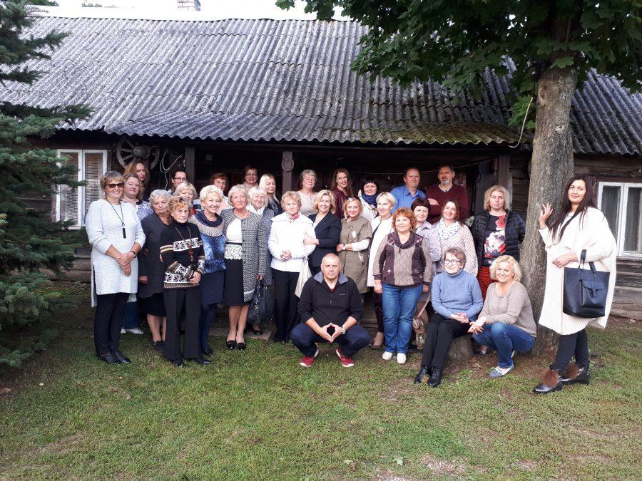 Moterų socialdemokračių klubas susitiko su Batėgalos bendruomene